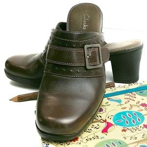 Clarks Bendables Leather Brown Buckle Clogs Mules